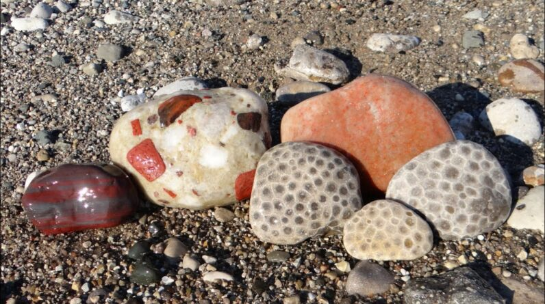 A Perfect September Day on the Beach for Rockhounding